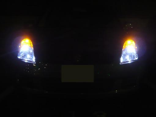 ポジションにT10、ウインカーにT20 3.0W LEDバルブを装着